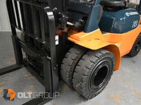 Used Toyota 7FD25 Dual Drive Forklift 2Z Diesel Engine Container Mast - picture14' - Click to enlarge