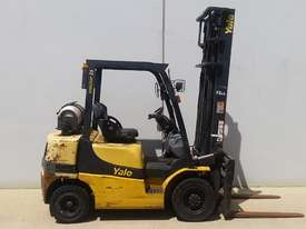 2.5T Counterbalance Forklift - picture3' - Click to enlarge