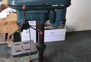 Waldown Pedestal Drill 8 Speed Bench Mount 415 Volt