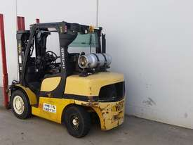 2.6T Diesel Counterbalance Forklift  - picture1' - Click to enlarge