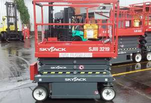 Skyjack Scissor Lift SJ3219 5.8m height Low Hours