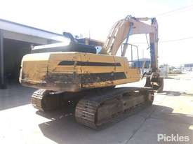 1993 Caterpillar 325 - picture2' - Click to enlarge