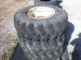 Manitou MHT10120 rims and tyres - picture0' - Click to enlarge