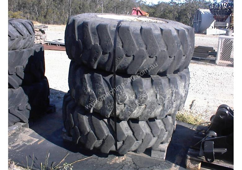 Manitou MHT10120 rims and tyres