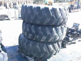 Manitou MHT10120 rims and tyres - picture2' - Click to enlarge
