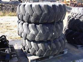Manitou MHT10120 rims and tyres - picture3' - Click to enlarge