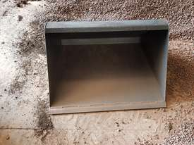 Narrow GP Bucket - picture0' - Click to enlarge