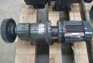 CHARLES & HUNTING 3 PHASE ELECTRIC REDUCTION BOX MOTOR GEAR BOX