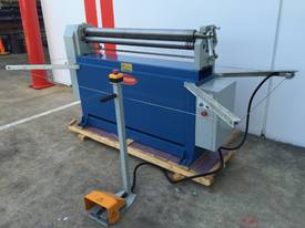 Powered 1300mm x 1.6mm Pinch Rollers Swing Out End - picture3' - Click to enlarge