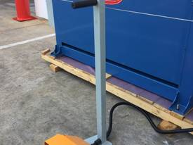 Powered 1300mm x 1.6mm Pinch Rollers Swing Out End - picture5' - Click to enlarge
