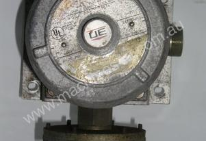 Ue   553 Pressure Switch.
