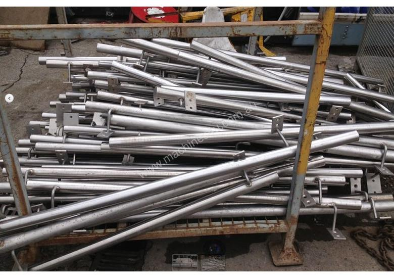 Stainless steel handrail with support base welded