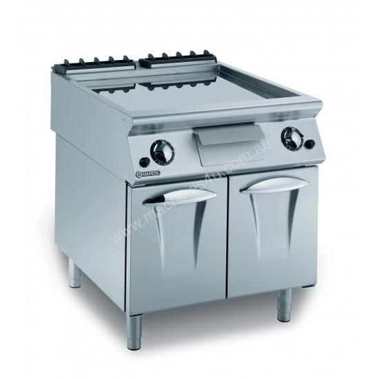 Mareno ANFT9-8EL Fry-Top With Smooth Fry Plate