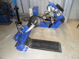 DASSA 590 Tyre Handler Attachments - picture3' - Click to enlarge