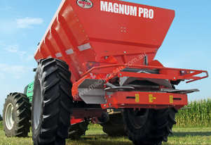 Magnum Pro Trailed Fertiliser Spreader
