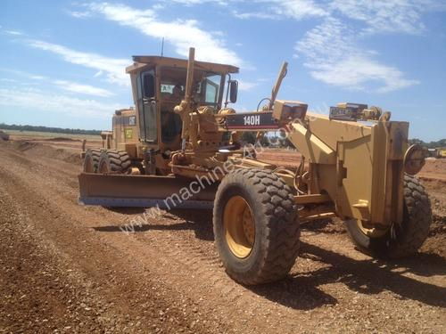 Caterpillar 140H Artic Grader Grader