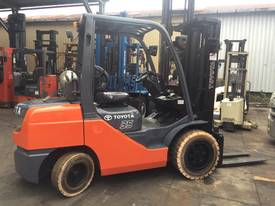 TOYOTA FORKLIFT 3.5 TON 4500MM LIFT CONTAINER MAST