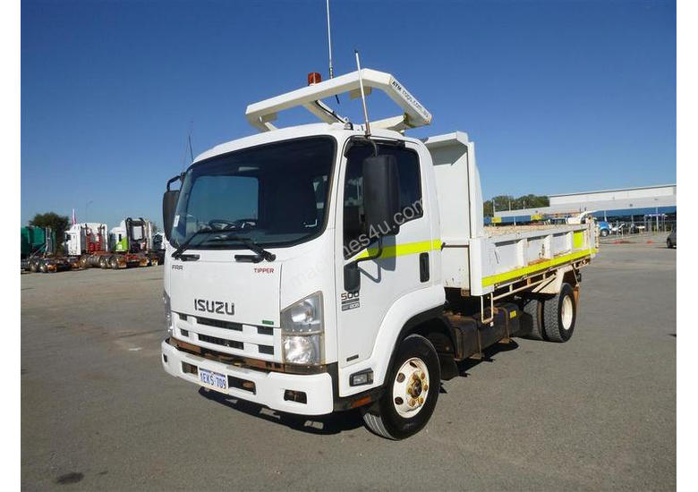 Used 2013 Isuzu FRR500 Tipper Trucks in Geelong, VIC Price ...