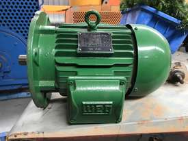 1.5kw 6 pole 955 rpm WEG AC Electric Motor - picture2' - Click to enlarge