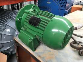 1.5kw 6 pole 955 rpm WEG AC Electric Motor - picture3' - Click to enlarge