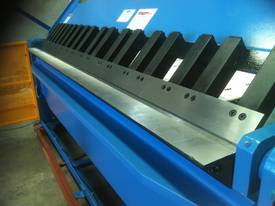 NEW 2500MM X 5MM WITH NC2 MODEL 2 AXIS CONTROLLER - picture2' - Click to enlarge