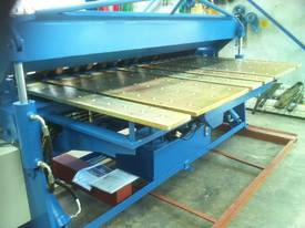 NEW 2500MM X 5MM WITH NC2 MODEL 2 AXIS CONTROLLER - picture4' - Click to enlarge