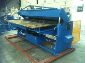 NEW 2500MM X 5MM WITH NC2 MODEL 2 AXIS CONTROLLER - picture5' - Click to enlarge