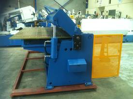 NEW 2500MM X 5MM WITH NC2 MODEL 2 AXIS CONTROLLER - picture6' - Click to enlarge