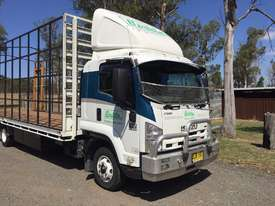 Isuzu Table top truck - picture0' - Click to enlarge