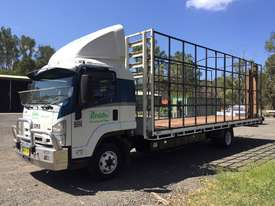 Isuzu Table top truck - picture1' - Click to enlarge