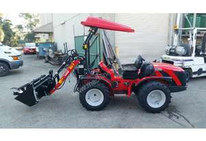 TRACTOR LOADER 4 IN 1 BUCKET AND PALLET FORKS