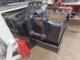 USED TAKEUCHI TB138FR EXCAVATOR WITH LOW HOURS - picture6' - Click to enlarge