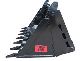 New Norm Engineering 4-in-1 Bucket for ASV-RT30 Skid Steer - picture3' - Click to enlarge