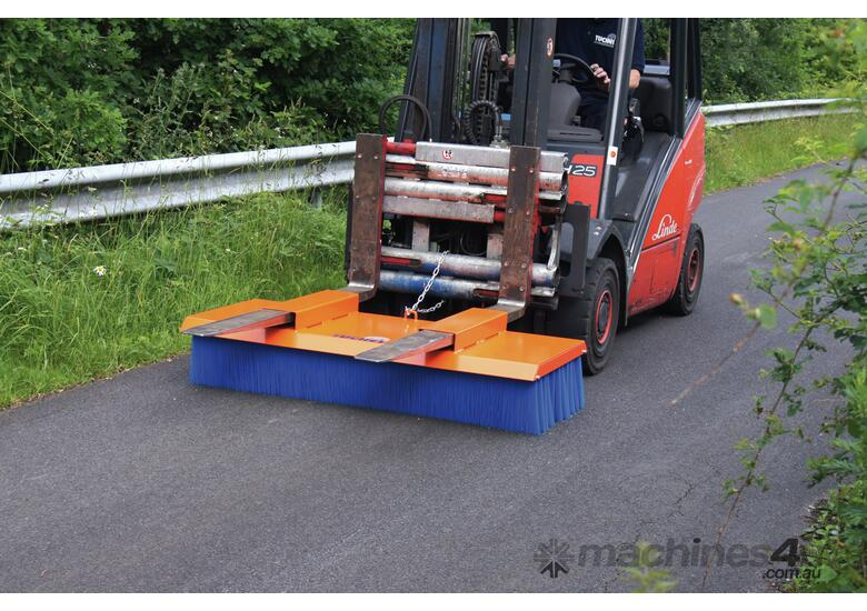 Tuchel Solo Bucket Broom Angle Road Sweeper for Forklifts and Excavators