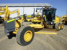 Komatsu GD655-5 Artic Grader Grader - picture0' - Click to enlarge