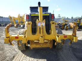 Komatsu GD655-5 Artic Grader Grader - picture6' - Click to enlarge
