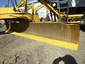 Komatsu GD655-5 Artic Grader Grader - picture9' - Click to enlarge