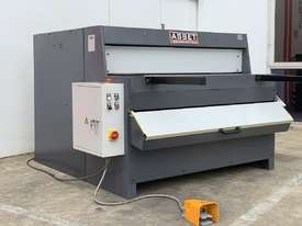 1300mm x 4mm Euro Power Guillotine with Front Scrap Chute - Volt - picture0' - Click to enlarge