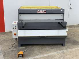 1300mm x 4mm Euro Power Guillotine with Front Scrap Chute - Volt - picture2' - Click to enlarge