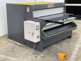 1300mm x 4mm Euro Power Guillotine with Front Scrap Chute - Volt - picture10' - Click to enlarge