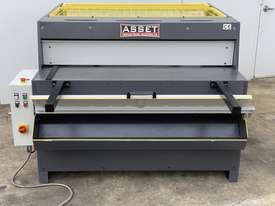 1300mm x 4mm Euro Power Guillotine with Front Scrap Chute - Volt - picture12' - Click to enlarge