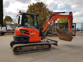 USED KUBOTA U55-4 EXCAVATOR WITH FULL CABIN, HITCH, BUCKETS AND 3125 HOURS - picture1' - Click to enlarge