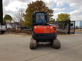 USED KUBOTA U55-4 EXCAVATOR WITH FULL CABIN, HITCH, BUCKETS AND 3125 HOURS - picture6' - Click to enlarge
