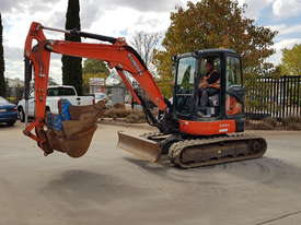 USED KUBOTA U55-4 EXCAVATOR WITH FULL CABIN, HITCH, BUCKETS AND 3125 HOURS - picture11' - Click to enlarge