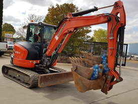 USED KUBOTA U55-4 EXCAVATOR WITH FULL CABIN, HITCH, BUCKETS AND 3125 HOURS - picture13' - Click to enlarge