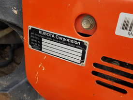 USED KUBOTA U55-4 EXCAVATOR WITH FULL CABIN, HITCH, BUCKETS AND 3125 HOURS - picture15' - Click to enlarge