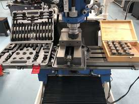 PUMA X6323B | 3 PHASE TURRET MILLING MACHINE Incl Digital Readout - picture1' - Click to enlarge