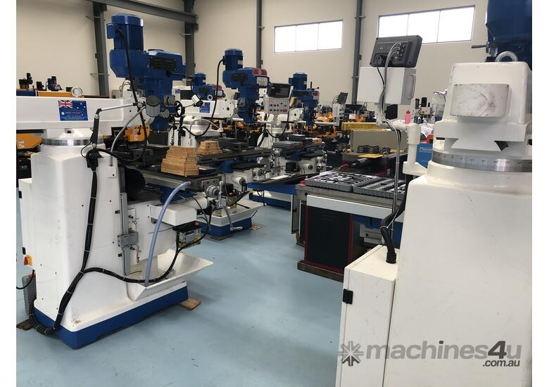 PUMA X6323B | 3 PHASE TURRET MILLING MACHINE Incl Digital Readout