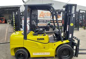Diesel Forklift Clark 3000kg Container Mast 2016 model 4800MM Lift $24,000+gst