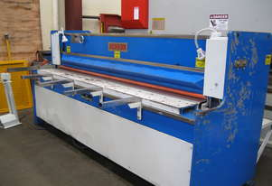 Benson 2450mm x 4mm Hydraulic Guillotine